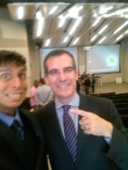Selfie with Mayor Eric Garcetti | #CouncilDistrict13 #SilverLakeNeighborHoodCouncil